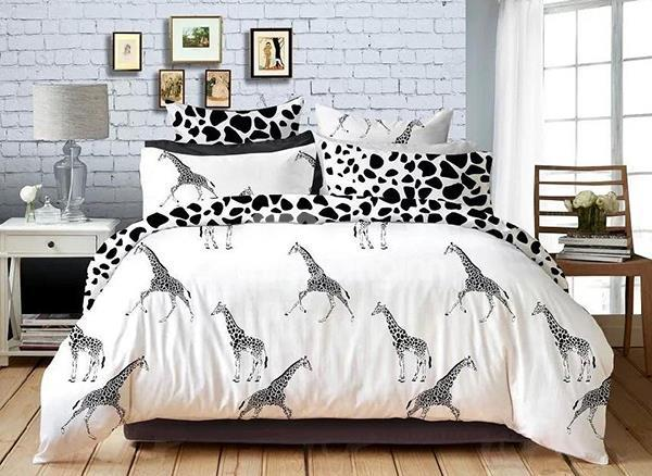 Classic Black And White Giraffe Print 4-Piece Cotton Duvet Cover Sets