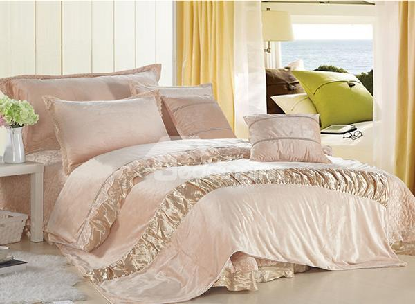 Golden Satin Patched Rose Patten Lace Trim 4-Piece Duvet Cover Sets