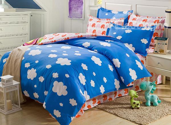 Cute Fleecy White Clouds Print 4-Piece Cotton Duvet Cover