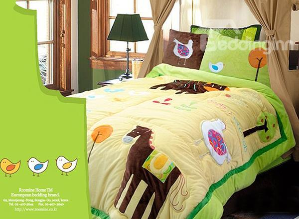 Flourishing Animal Farm Print 2-Piece Dull Velvet Kids Duvet Cover Sets